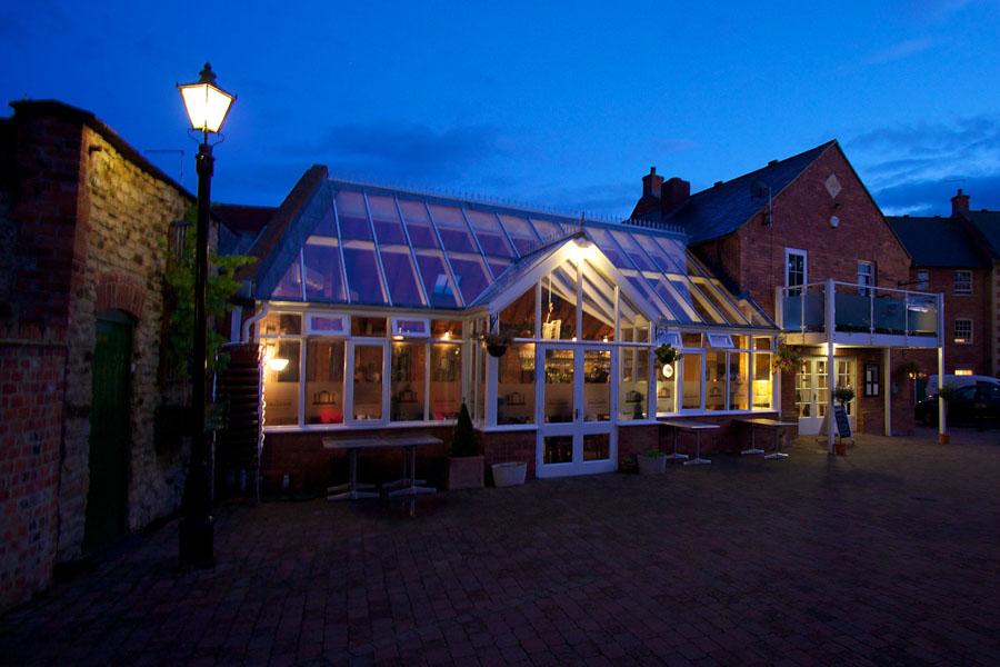 Towcester Pubs Restaurants